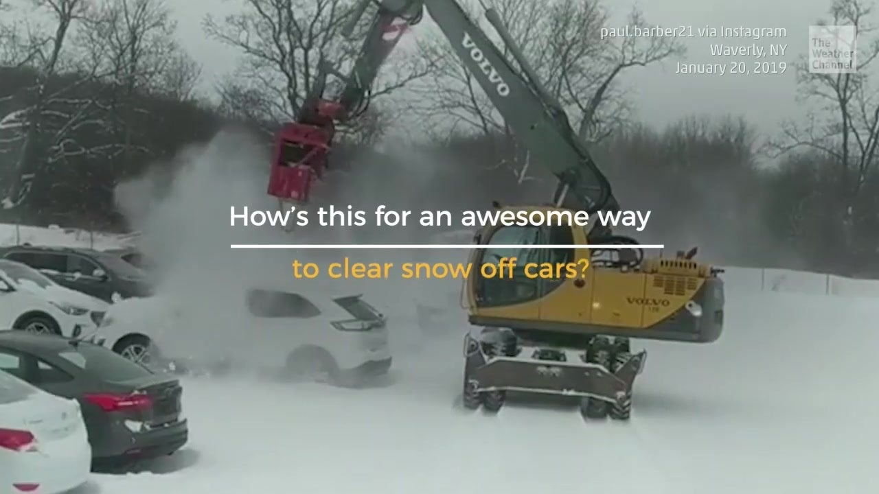 Easy Way to Clear Snow From Cars