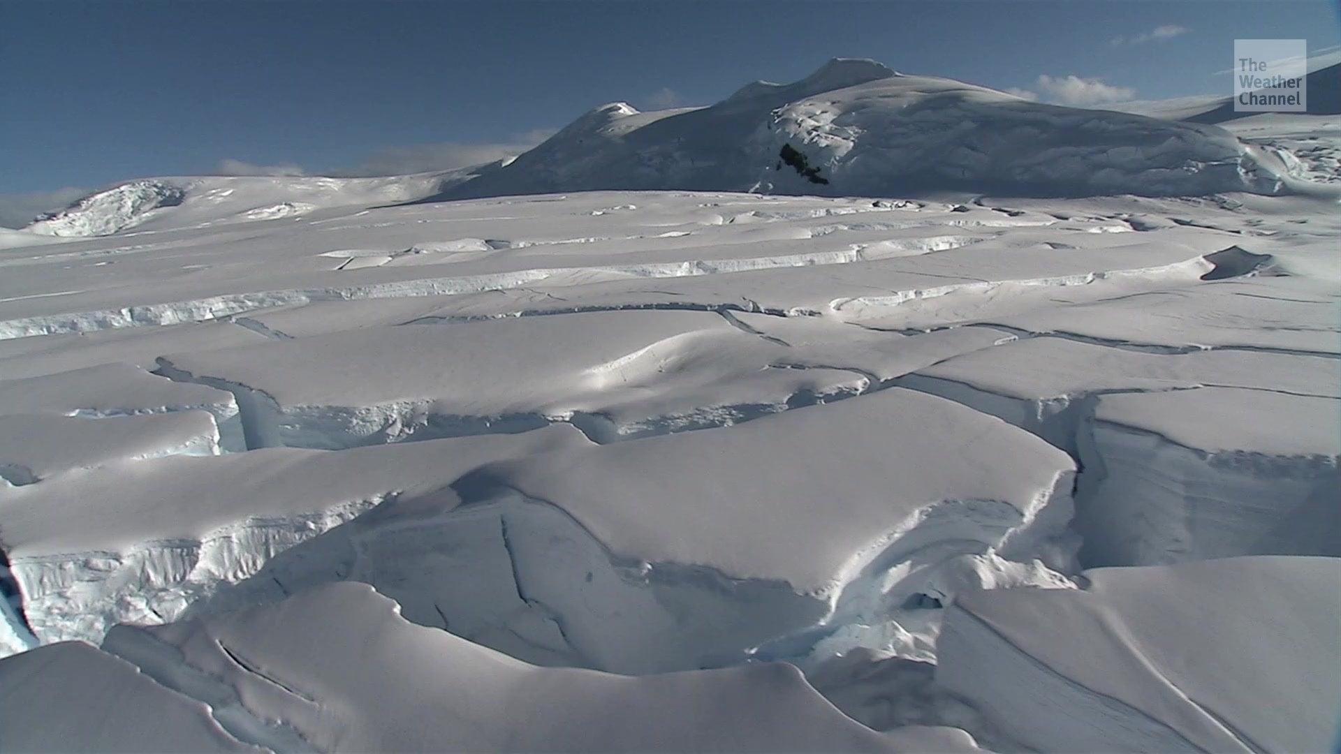 Deswegen erschüttern die Antarktis jede Nacht Tausende Minibeben