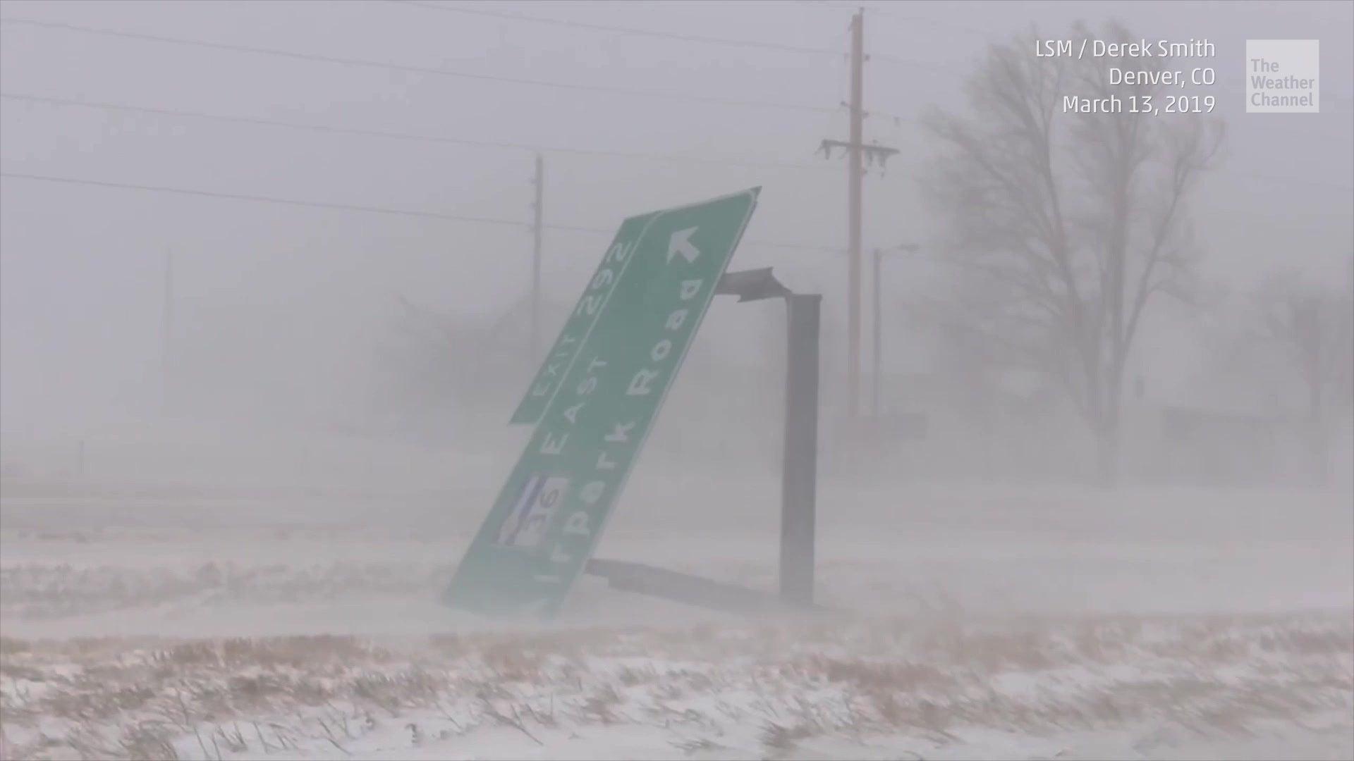 Über ein Meter Schnee: Bombenzyklon Ulmer richtet Chaos in den USA an