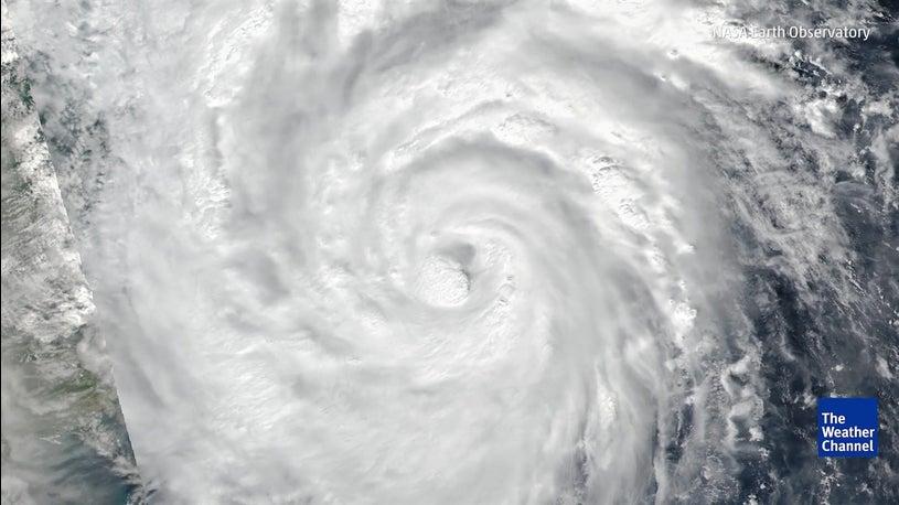 Tufão Damrey devasta Vietname