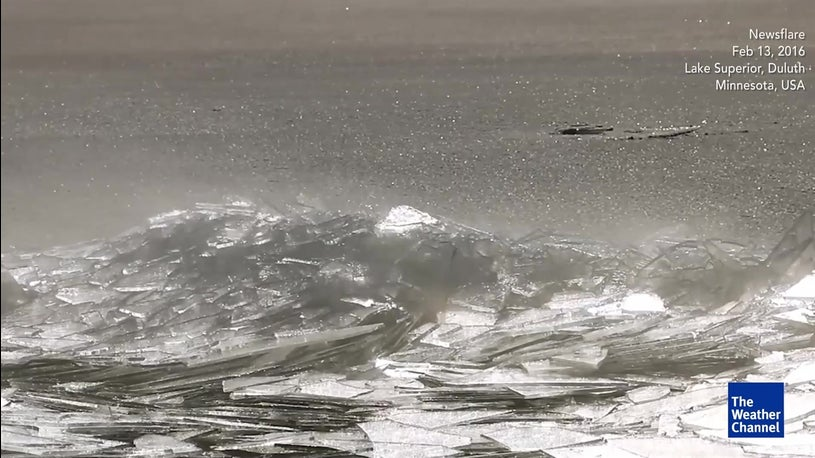 Mesmeric ice stacking on Lake Superior