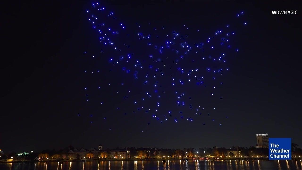 Mega-Show: Hier tanzen Leuchtdioden am Himmel