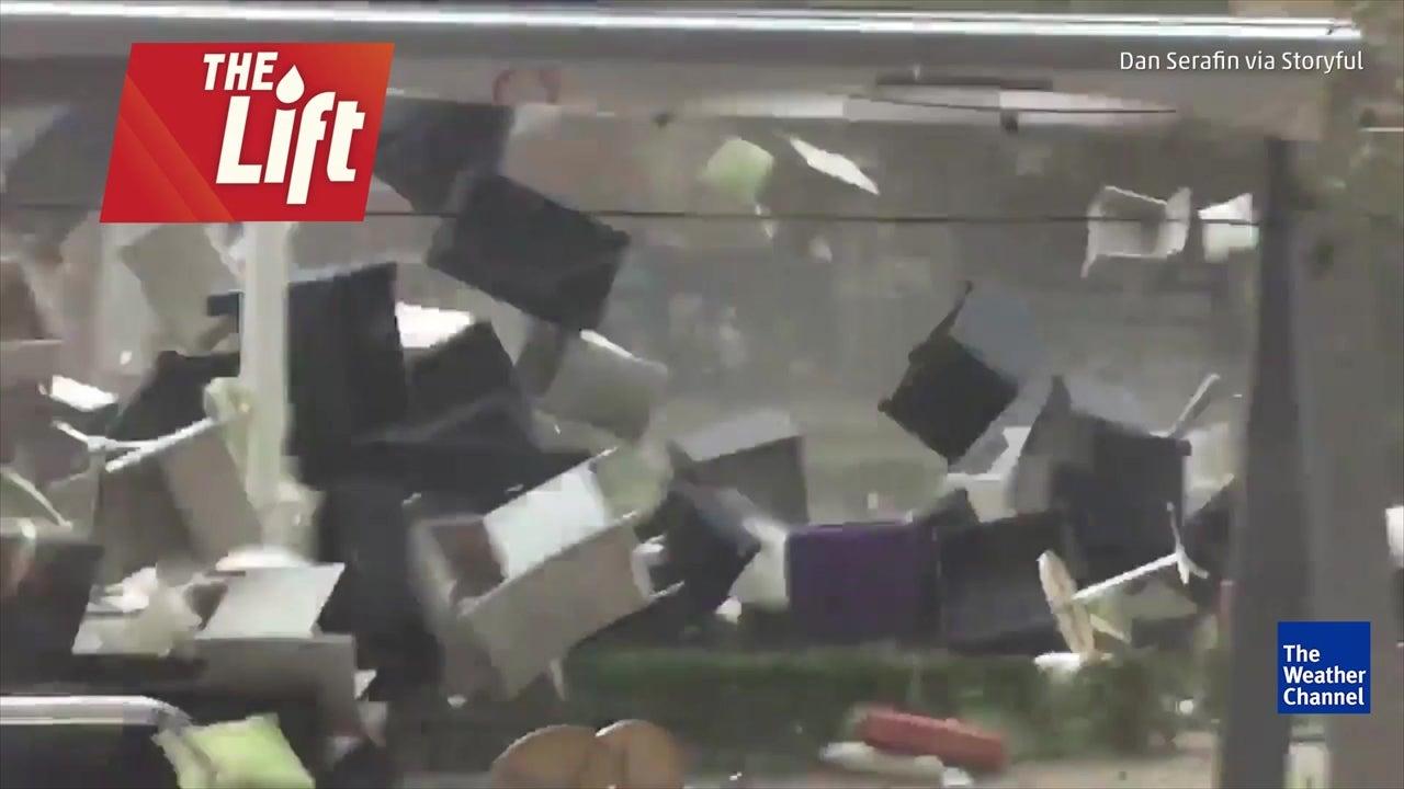 Windstorm kills several in Romania