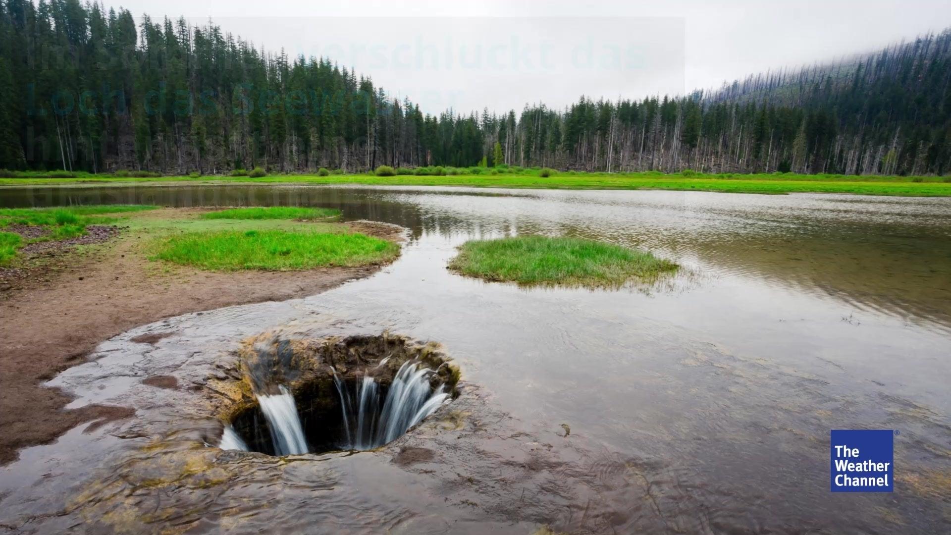 Ein Loch im See verschlingt im Sommer das ganze Wasser. Der älteste lebende Organismus findet sich in Utah und ein Feuer, dass seit 50 Jahren unter einer kleinen Stadt in Pennsylvania brennt. Diese US-Naturwunder sollte man gesehen haben.
