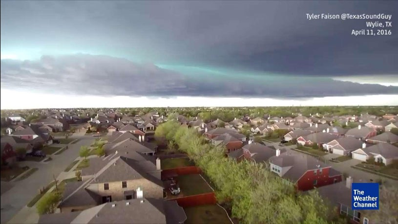 Why Are These Shelf Clouds Green?