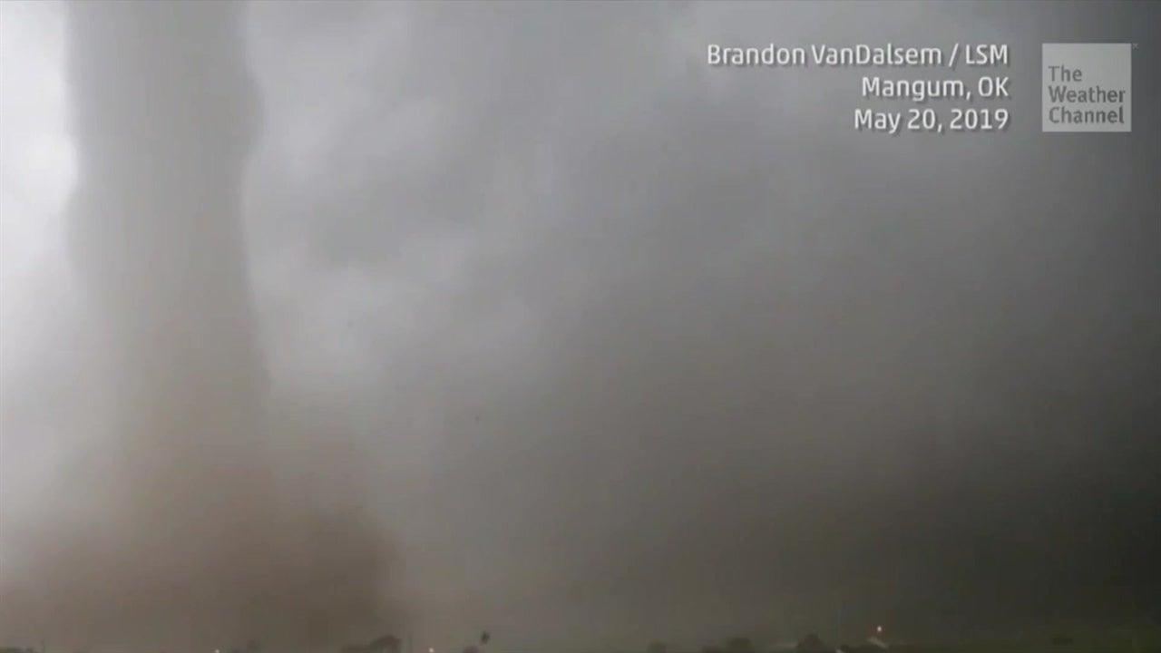 Más de 20 tornados azotan las planicies