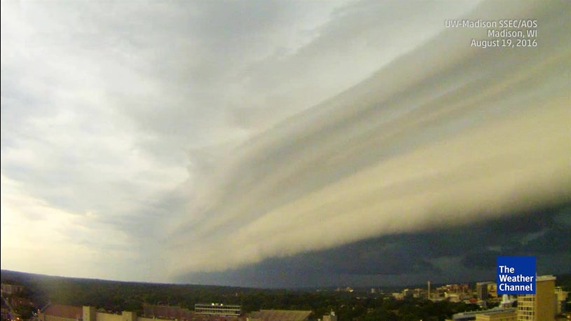 Shelf Clouds: The Science Behind Social Media's Most Popular