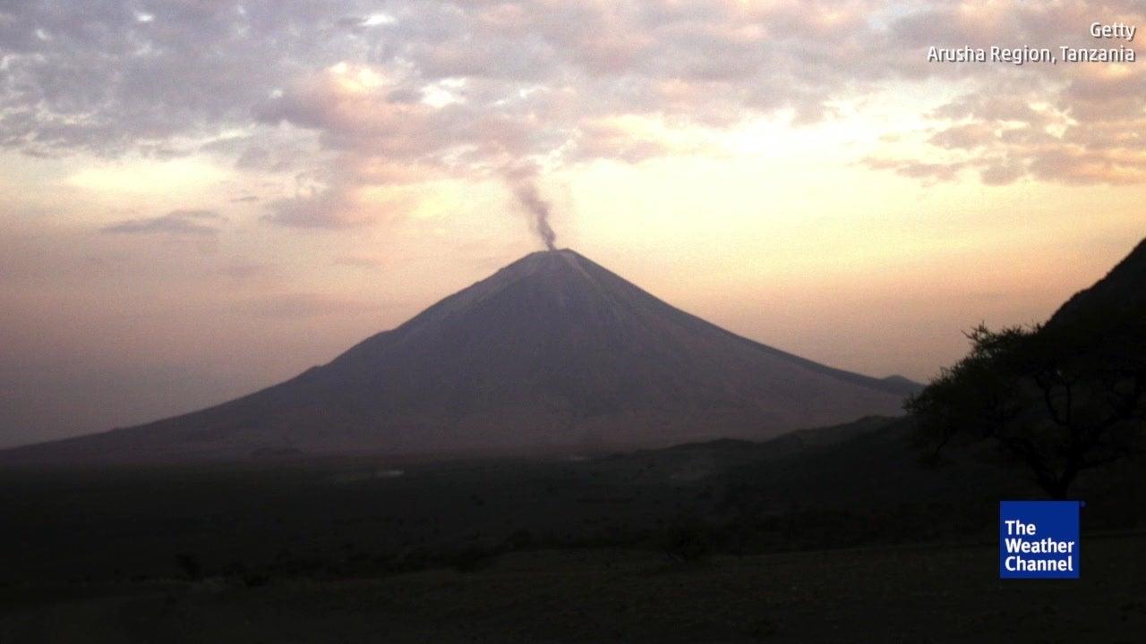 Mann überlebt Sturz in Vulkan - wegen der Lava