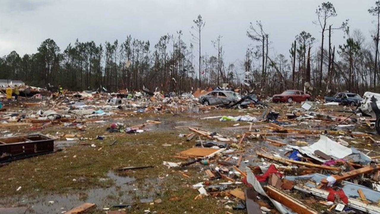 Tornado-Serie reißt 15 Menschen in den Tod