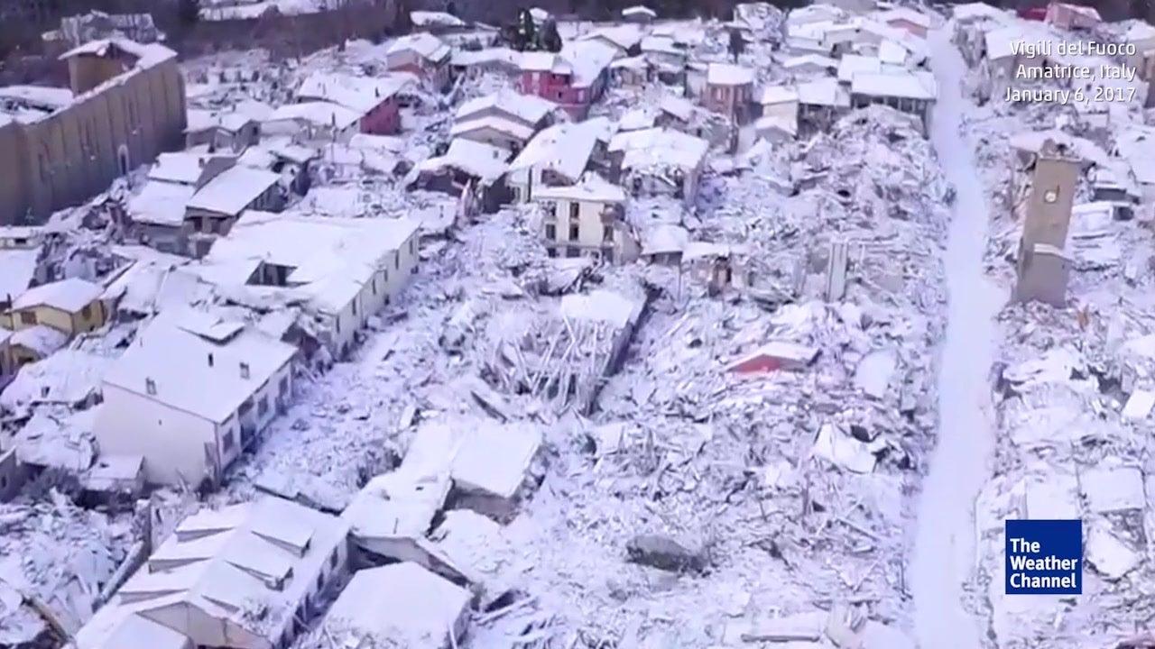 So sieht das zerstörte Amatrice im Schnee aus