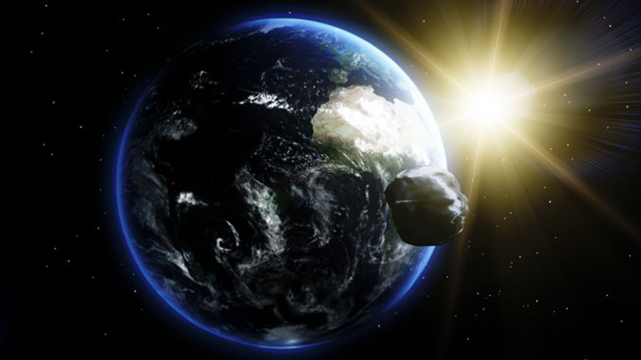 Huge Asteroid a Real Near Miss | The Weather Channel