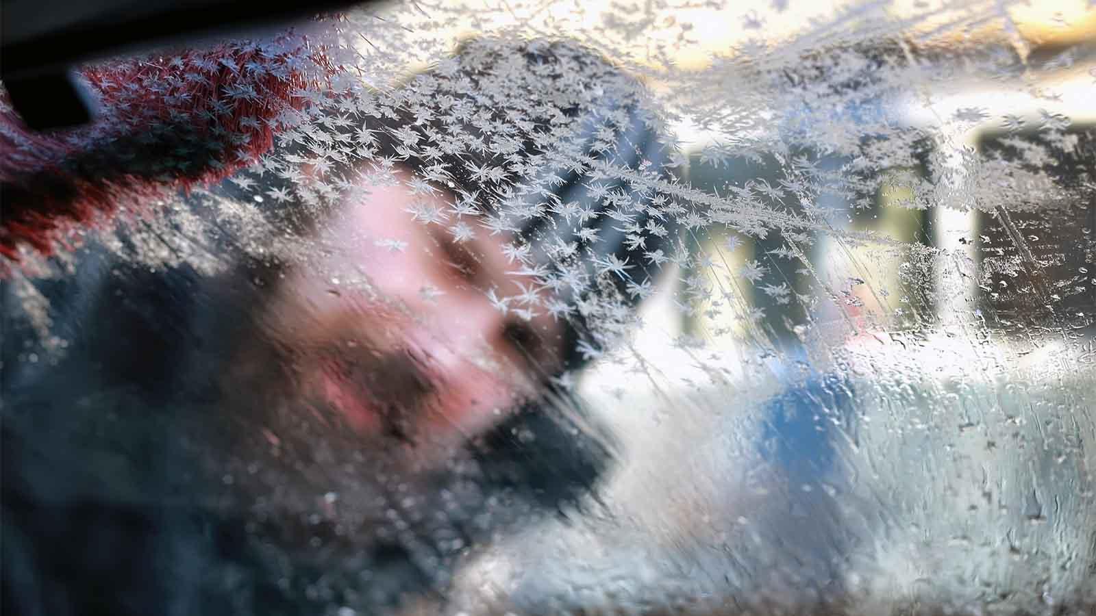 Einfacher Trick: So beschlagen die Autoscheiben nicht mehr
