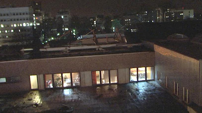 Sturm deckt 30-Meter-Dach ab