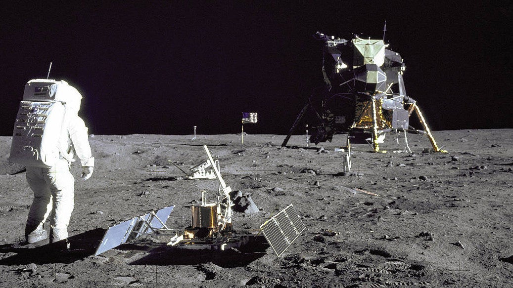 Fäkalien, Erbrochenes, Handtücher: So vermüllt ist der Mond