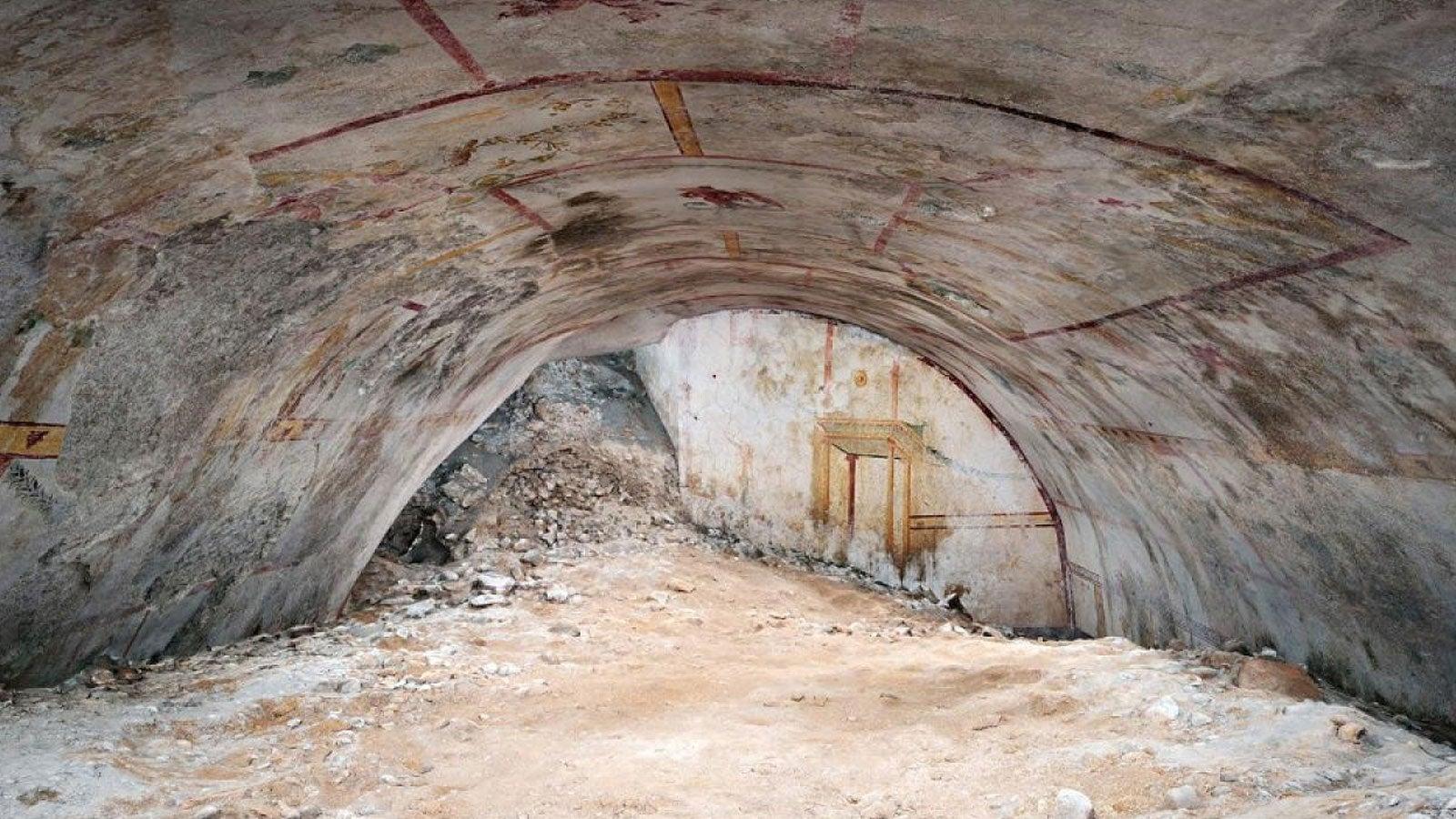 """Archäologen haben eine riesige, geheime Kammer im Untergrund des Palastes des römischen Kaisers Nero gefunden. Der sogenannte Sphinx-Raum befindet sich im """"Goldenen Haus"""" des Gebäudes."""