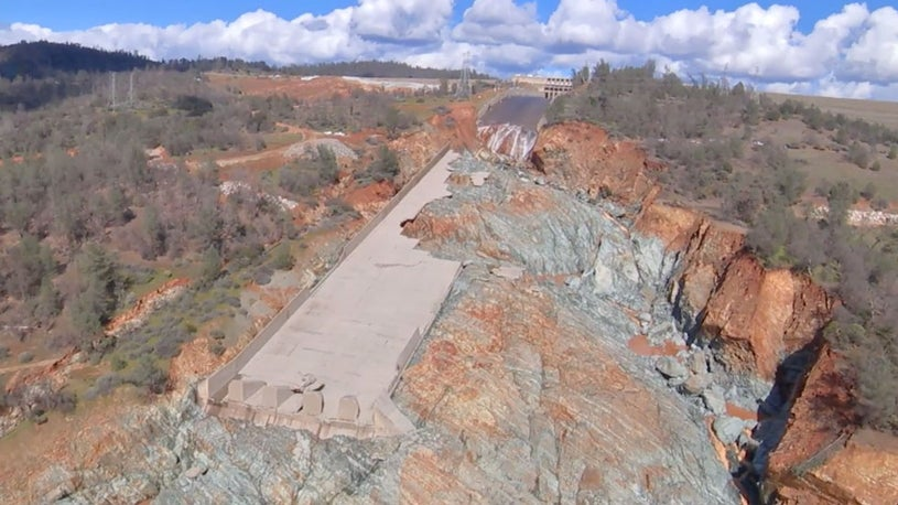 Oroville Dam Built on Crumbling Rock