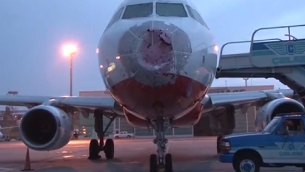 Wegen Hagel: Pilot landet Passagiermaschine im Blindflug