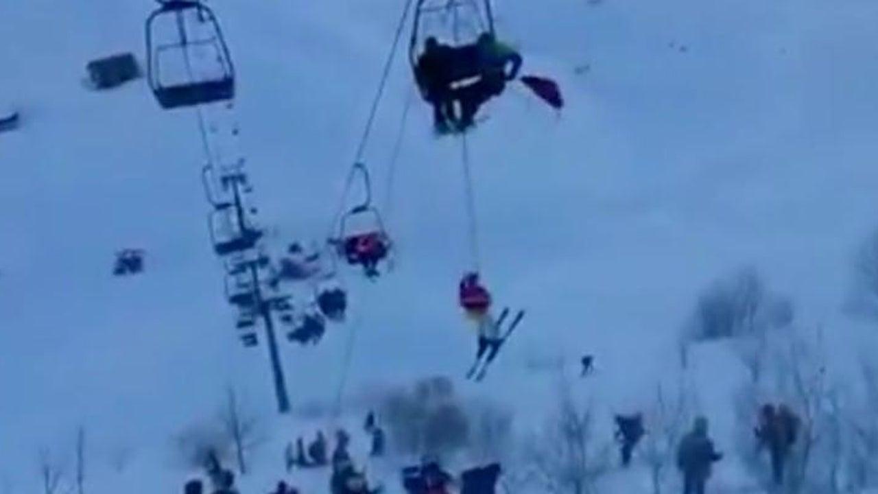 Im Sturm: Skifahrer stecken im Sessellift fest