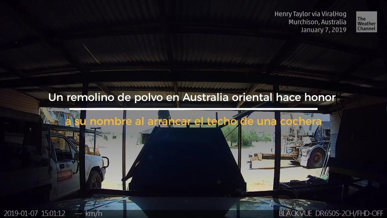 Remolino de polvo causa daños en Australia