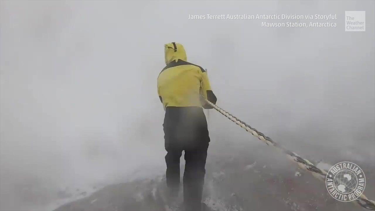 Ir al trabajo en Antártida es lo más miserable