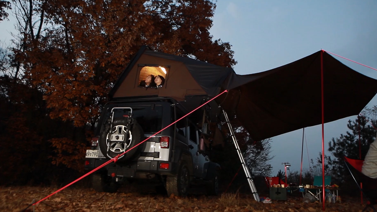 Roof-Mounted Tent is New Way to Road-trip