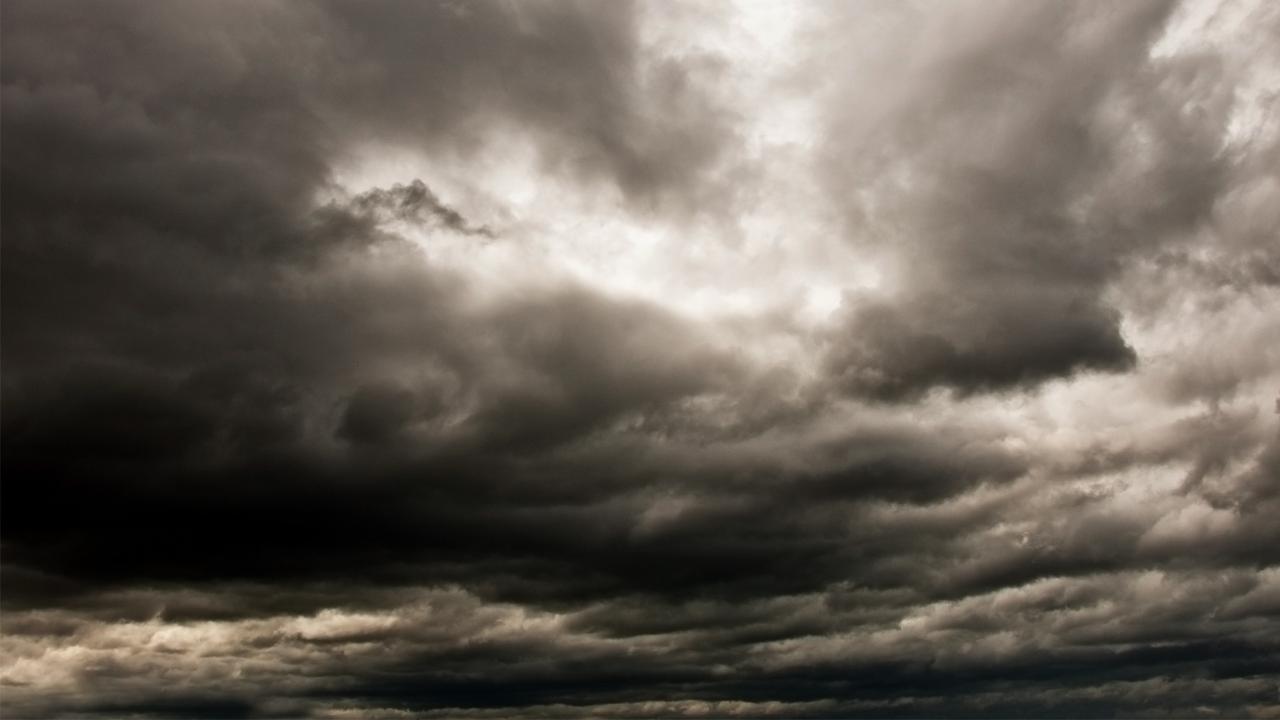 In der Nacht kommt neuer Sturmwind