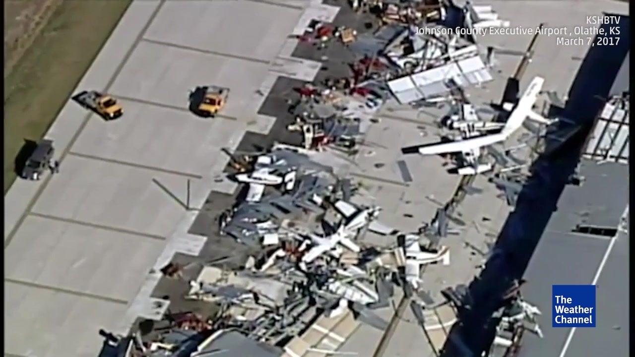 Orkanserie verwüstet Flughafen in Kansas schwer