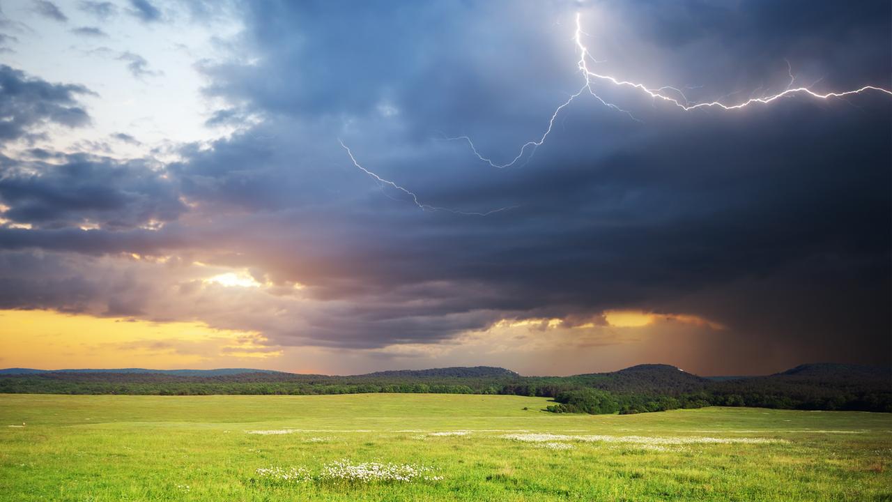 Luft aus Süden bringt Schauer und Gewitter