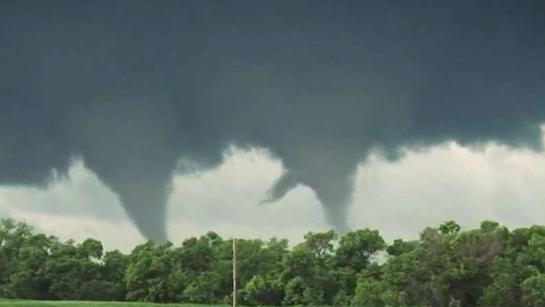 Why is it So Tough to Know if a Thunderstorm will Produce Tornadoes?
