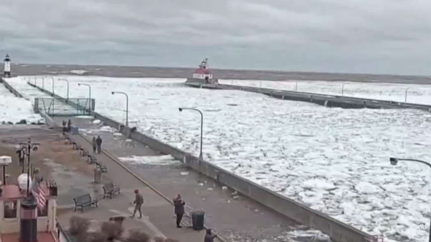 Timelapse Shows Lake Superior Ice Up in Just Seconds