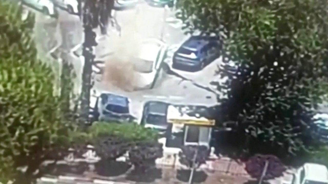 Parking Lot Eats Cars as Terrifying Sinkhole Opens