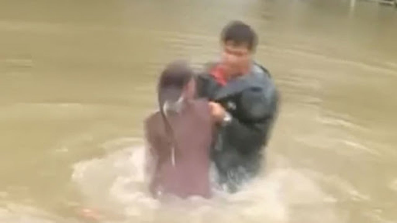 Woman, Dog Cut from Sinking Car in Louisiana