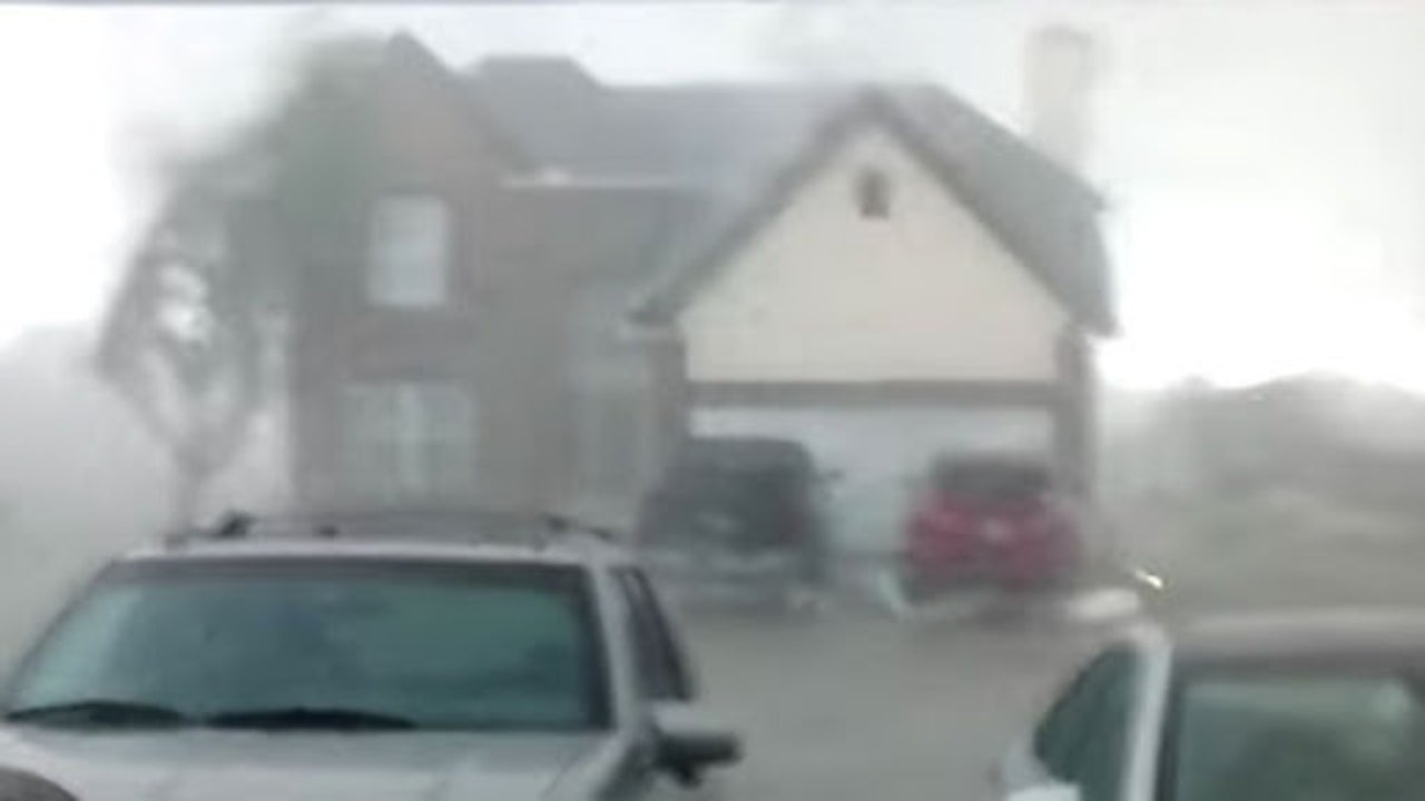 Terrifying Seconds Tornado Rips Through Neighborhood