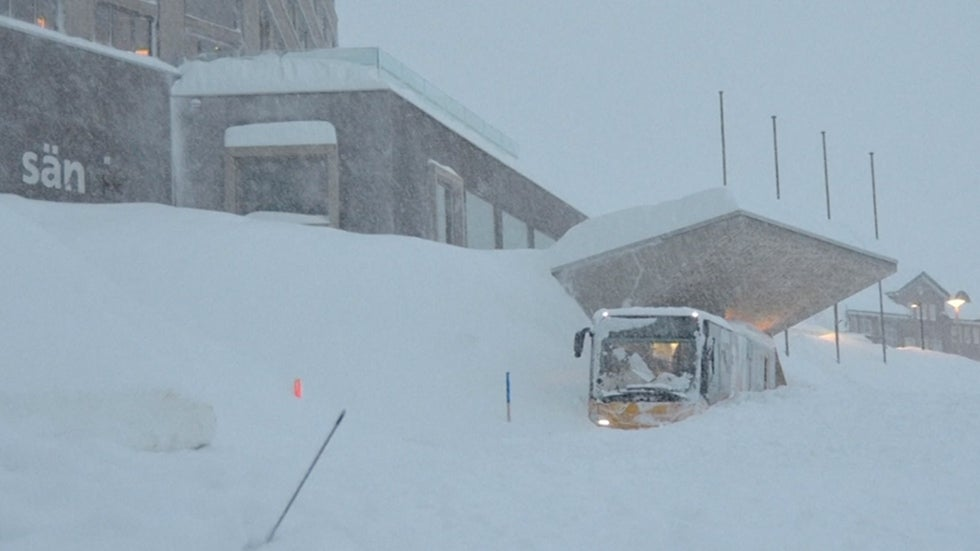 Three Injured After Switzerland Hotel is Buried by Avalanche