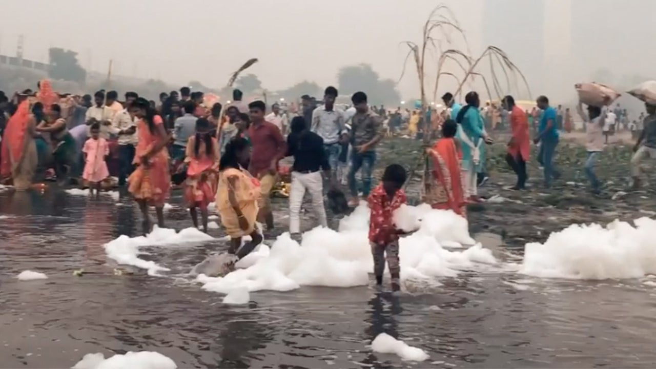 Toxic Foam, Deadly Smog Plague India's New Delhi During Hindu Holiday