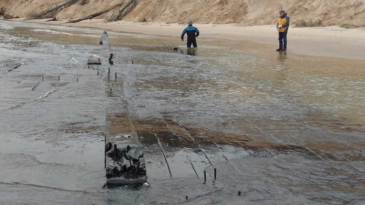 Storm Uncovers 19th-Century Wreck in Lake Michigan