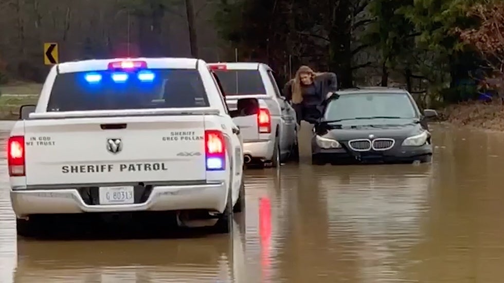 Mississippi Driver Rescued from Flooded Car