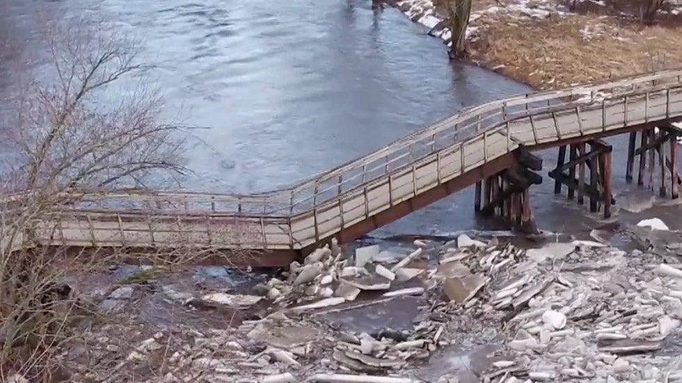 Iowa Trail Bridge Collapses Over Ice-Jammed Creek