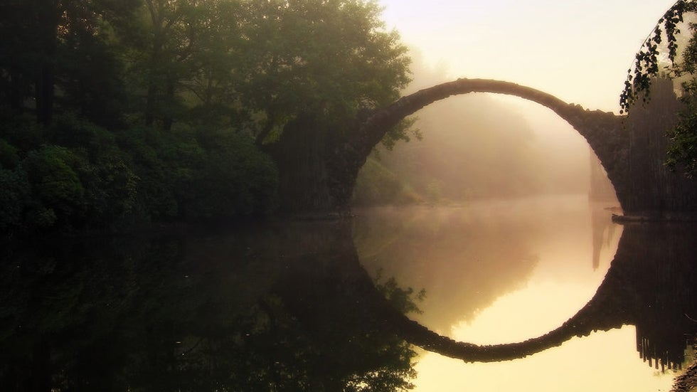 Famed 'Devil's Bridge' in Germany Forms Perfect Circle