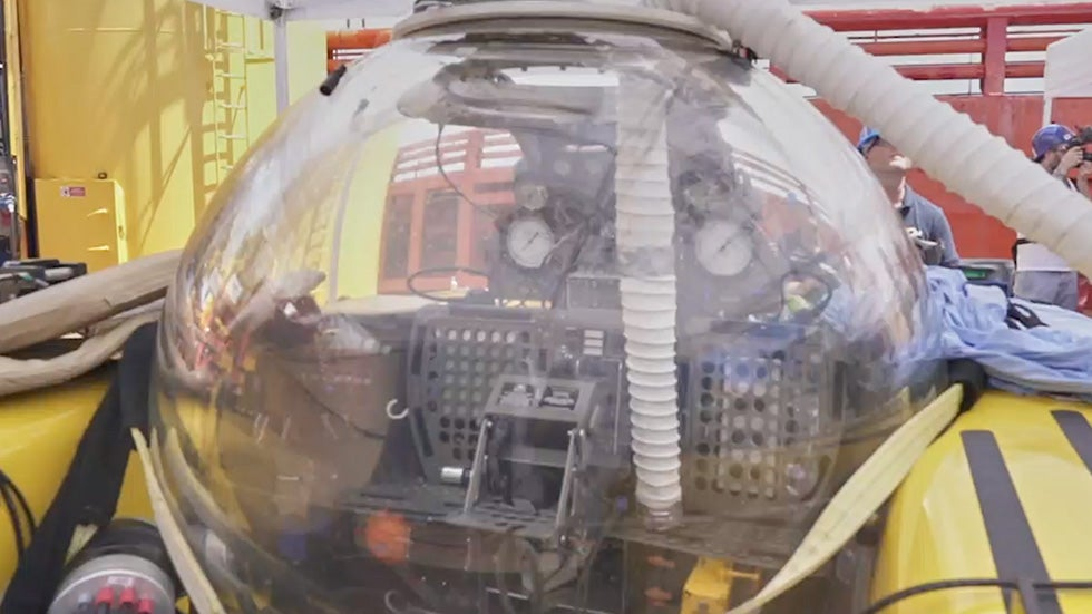 Submarine Forced to Make Emergency Ascent from Indian Ocean After Fire