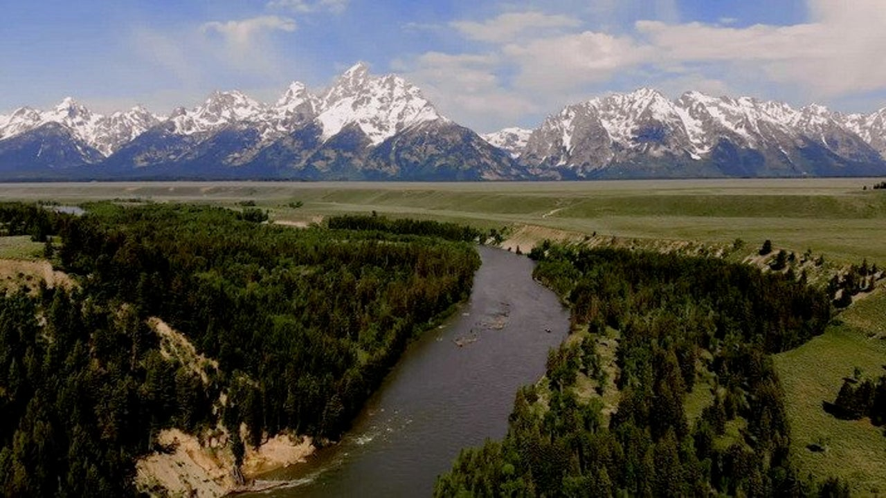 Yellowstone, Grand Teton and Great Smoky Mountains National Parks Closed to Stop COVID-19 Spread