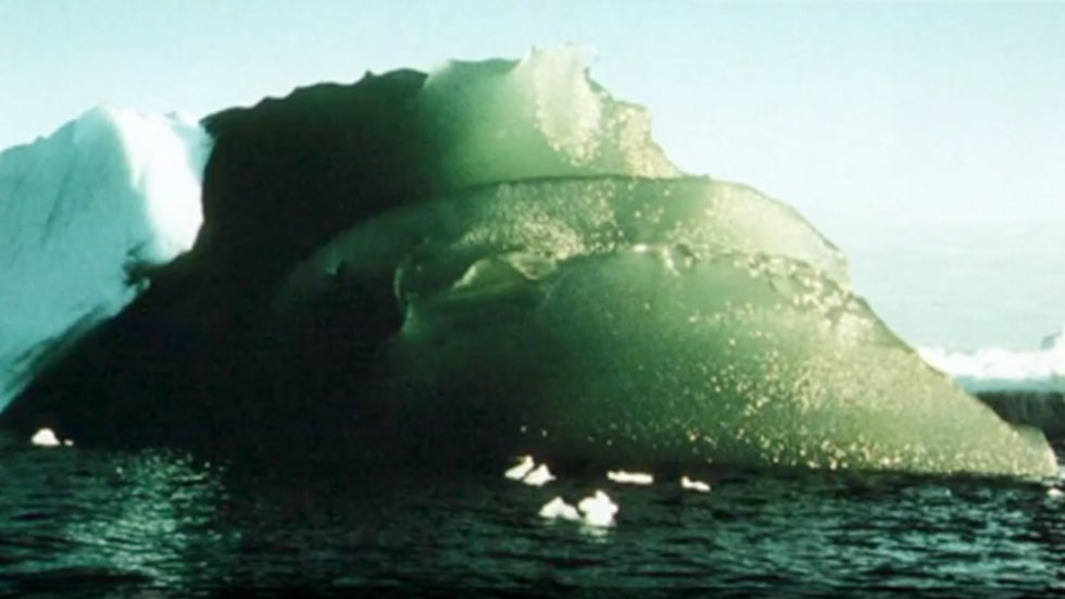 Mystery Surrounding Green Icebergs in Antarctica May Finally Be Solved