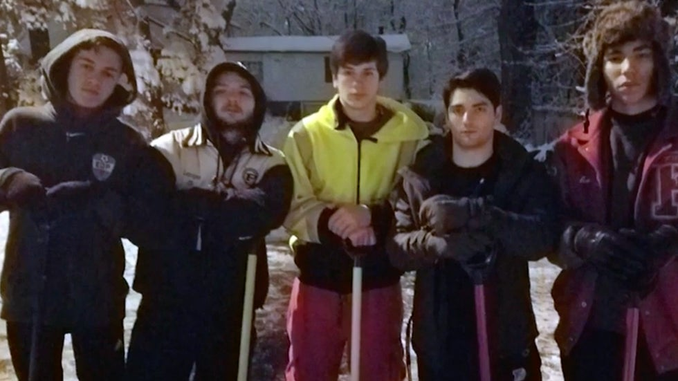 New Jersey Teens Come to Neighbor's Aid with Shovels in Hand