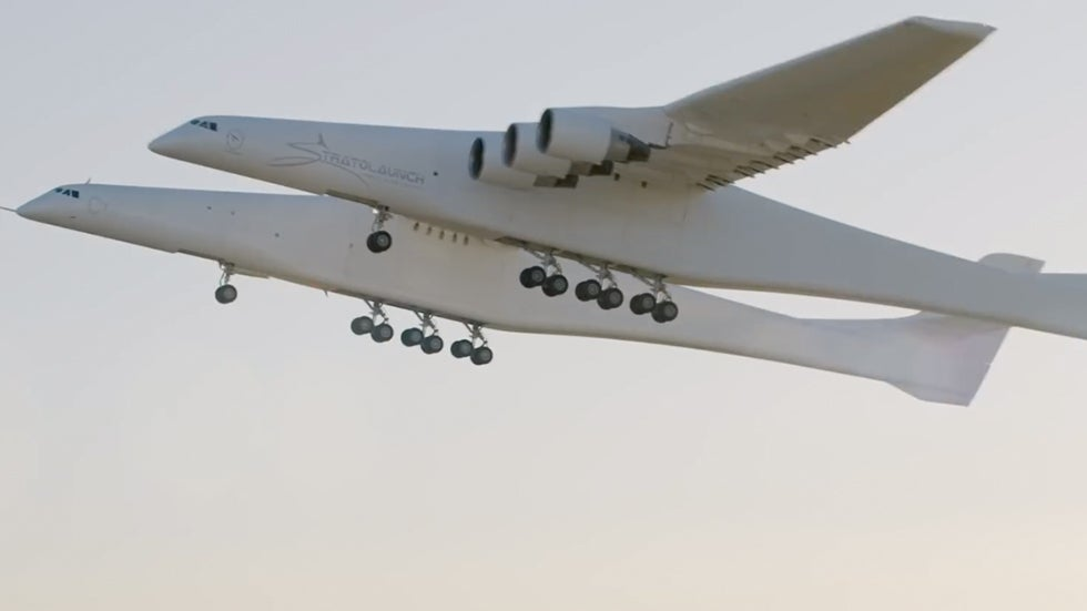World's Largest Plane Takes First Flight
