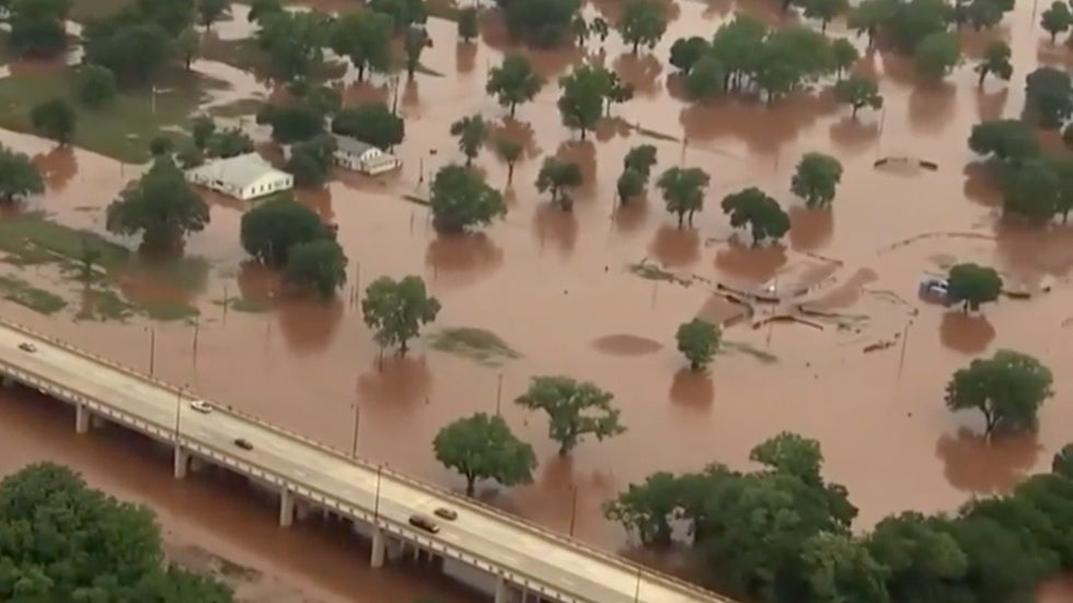 Flooding Forces Evacuations, Causes Damage in Central U.S.