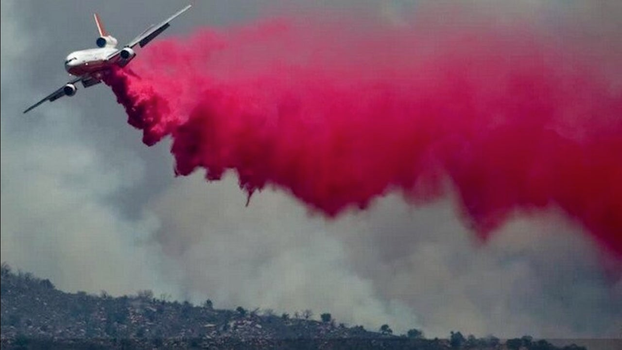 10 Tanker Planes Rain Down on Wildfire Battlefield