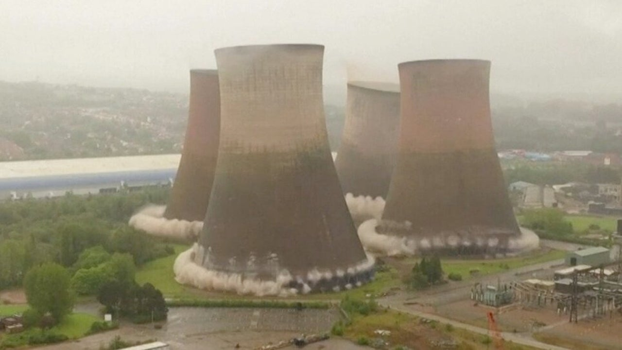 Massive Cooling Towers Collapse in Seconds