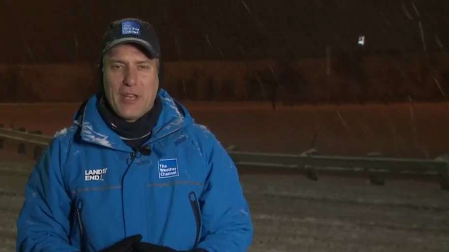 Heavy Snow from Winter Storm Harper Falling in Ohio