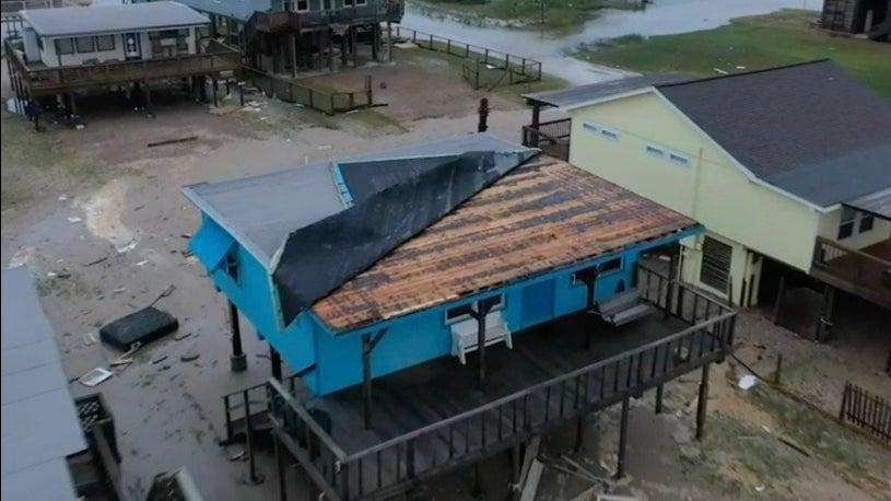 Hurricane Nicholas Slams Texas, Hundreds of Thousands Without Power