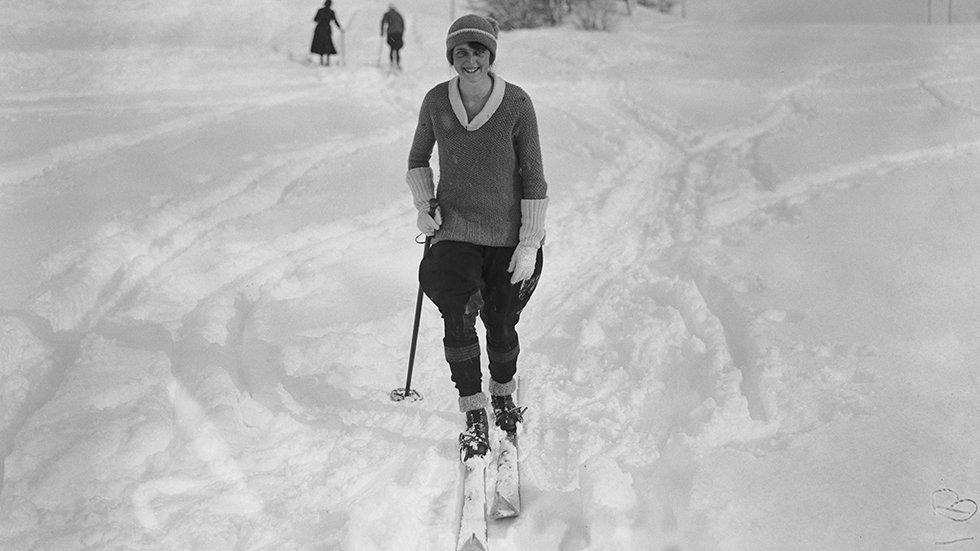 How Winter Fashion Has Changed in 100 Years (PHOTOS)